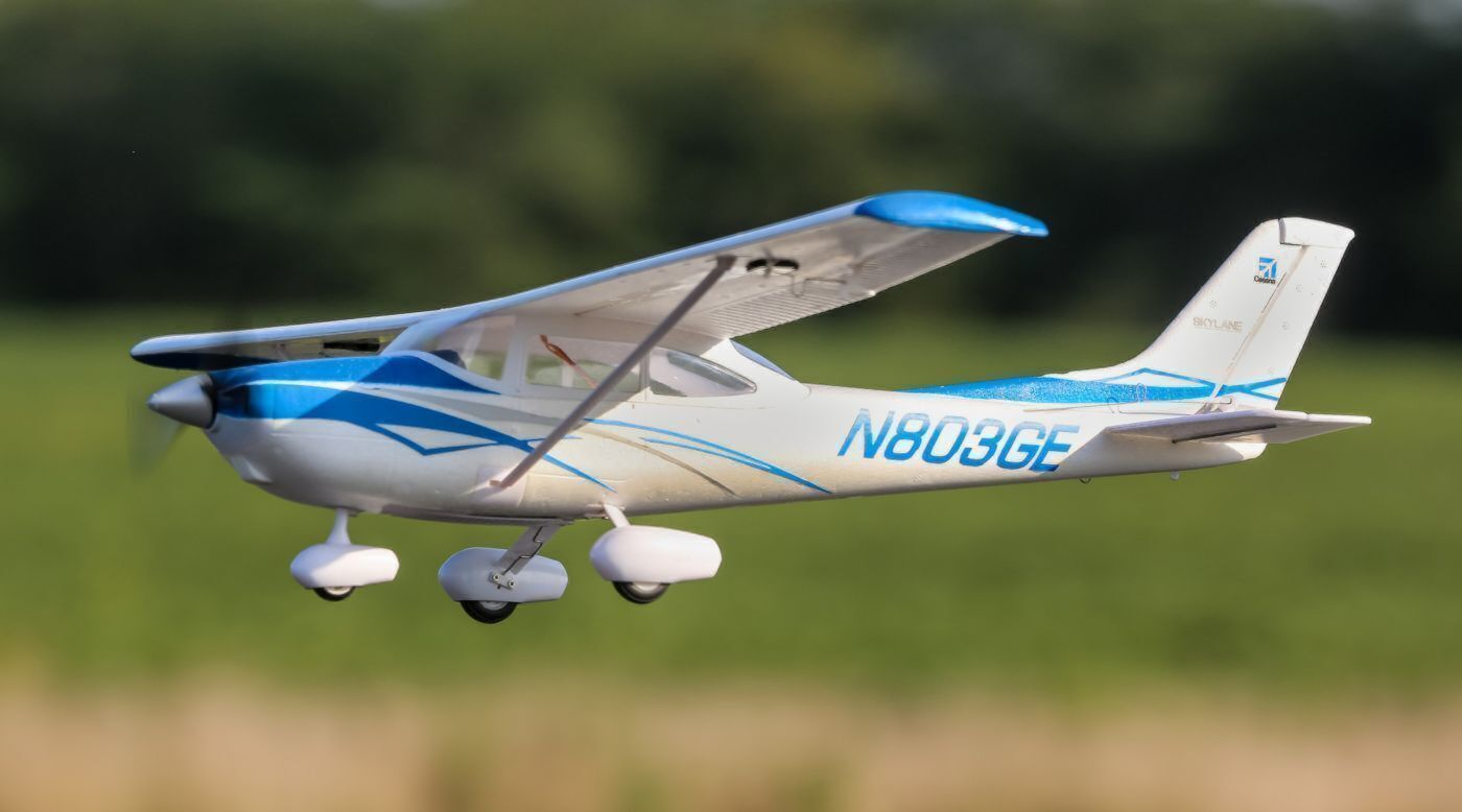 UMX Cessna 182 BNF Basic Electric Airplane